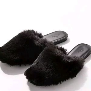 Urban Outfitters furry slides slipper shoes